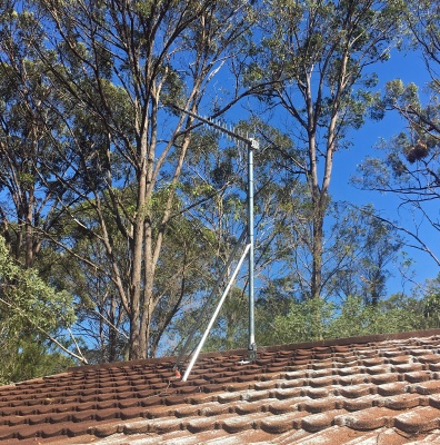low cost roof mast for tiled houses