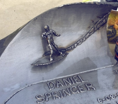 Welded memorial to Daniel Springer